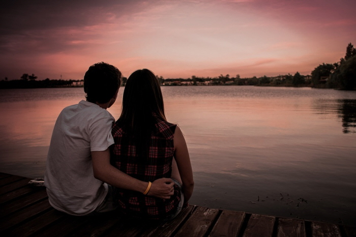 couple-1209790_960_720