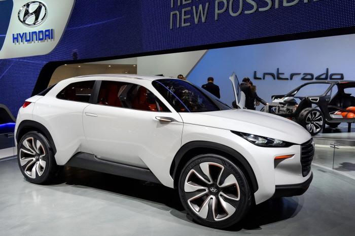 Hyundai-Intrado-Concept-2